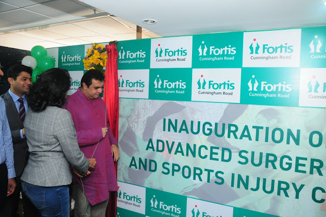 Mr Promod Madhwaraj, Sports Minister, Karnataka, inaugrating the speciality clinic