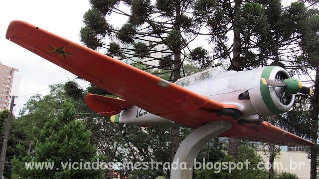 Avião na Praça Jaime Lago, Centro de Erechim