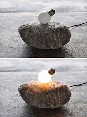 Lampara hecha de piedra