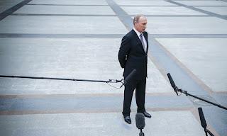 как Путин 18 лет учился реагировать на трагедии