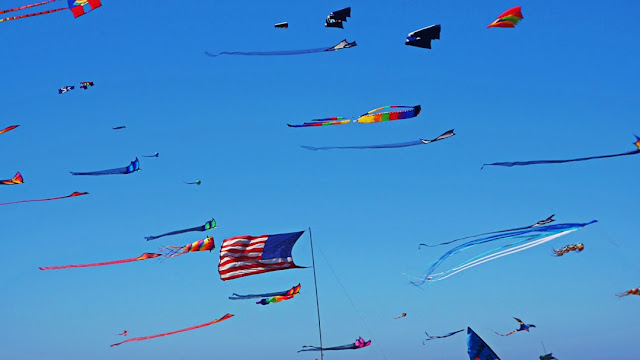 Kites of many colours over Long Beach, Washington...