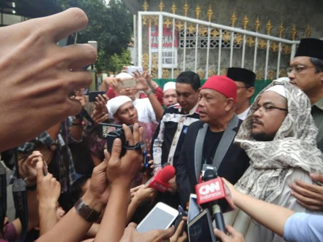 Habib Rizieq Ditetapkan Tersangka, Pengacara: Ini Murni Balas Dendam Kekalahan Ahok