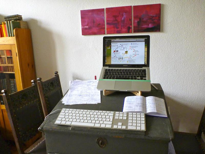 Stehpultaufsatz mit Computer