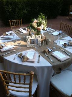 tavola per matrimonio county con cornice barocca
