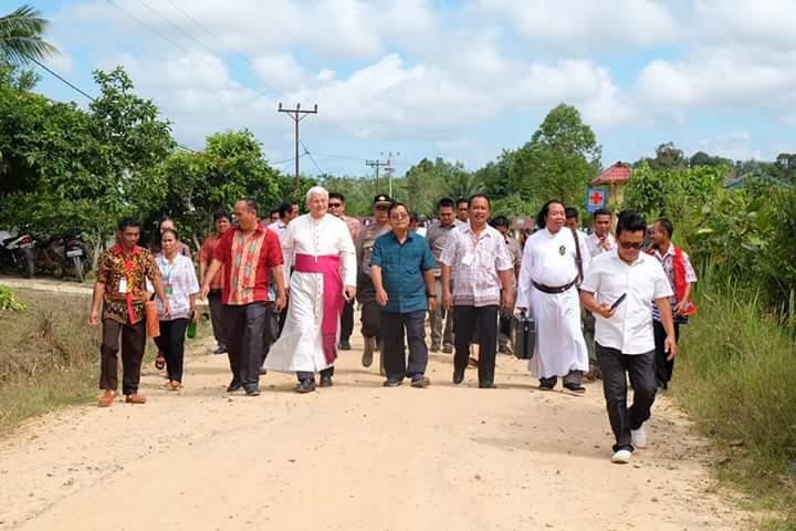 Uskup Sanggau Pesan Ini Usai Resmikan Gereja Katolik SP3 Timpuk Sekadau