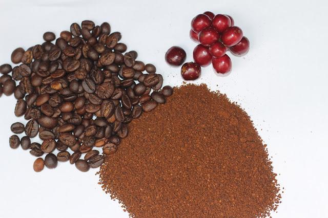 Màu sắc của bột CÀ PHÊ MÁNG CHỒN từ nguyên liệu hạt cà phê chuẩn chín đến, hạt sau khi rang và thành phẩm