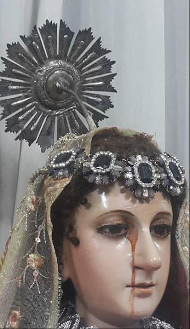 MUST SEE: Image or Christ and The Virgin Mary Seen Weeping Blood in Cebu! See it Here!