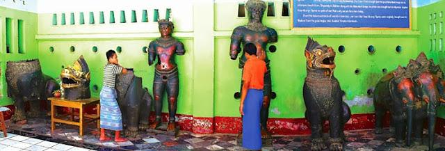 Mahamuni bronze figures