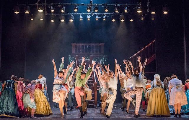 Cole Porter: Kiss me Kate - Opera North (Photo: Tristram Kenton)