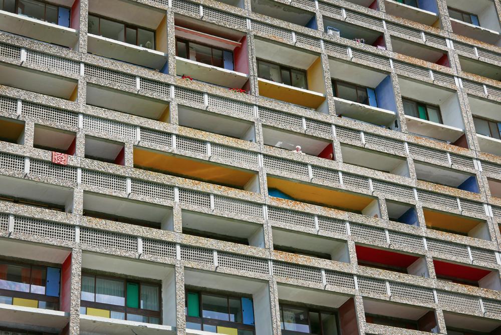Détail de la façade de la Cité Radieuse de Rezé