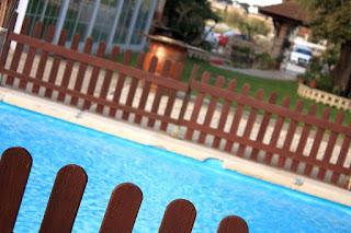 Piscina y jardin del Hostal Rural El Bosc