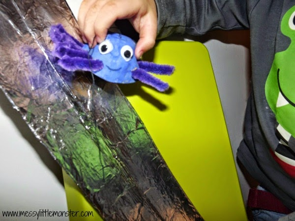 egg box incy windy spider craft for toddlers and preschoolers