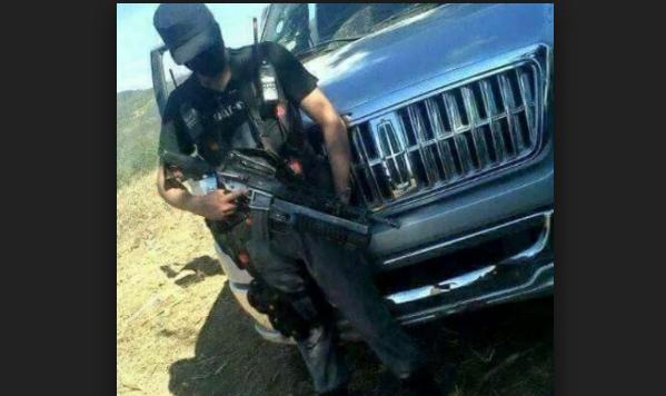 Narco es secuestrado por los contras en Guerrero y en venganza estos desatan enfrentamientos y muerte de inocentes