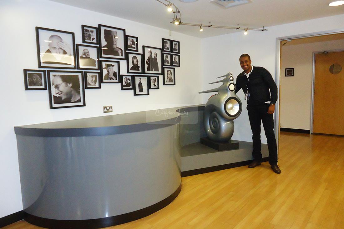 A visita de Dagson Sales a sede da B&W Bowers & Wilkins foi marcada por experiências únicas.