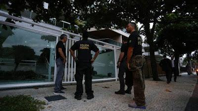 PF cumpre mandados contra delegado e ex-secretário de Sérgio Cabral