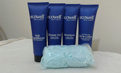Shower Gel Dari Ecowell 's Bath Series travel set