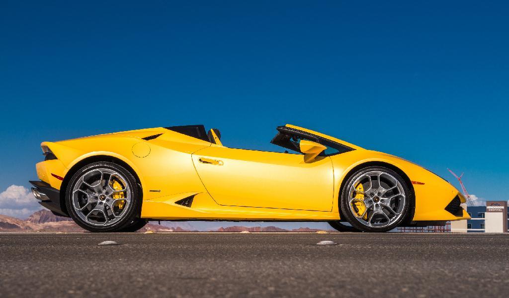 LAMBORGHINI HURACAN SUPERLEGGERA, 2017's Hottest Cars.
