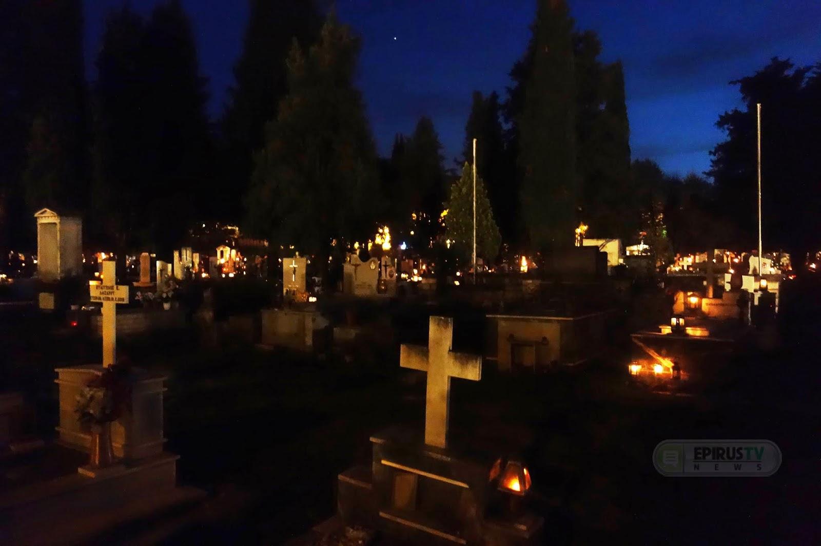Ιωάννινα:Συγκίνηση ...στην Περιφορά του Επιταφίου ...στα μνήματα [φωτο-βίντεο] - EPIRUS TV NEWS