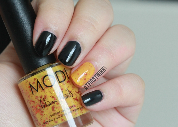 Halloween 2014 nails aritaum modi nail polishes black with orange glitter
