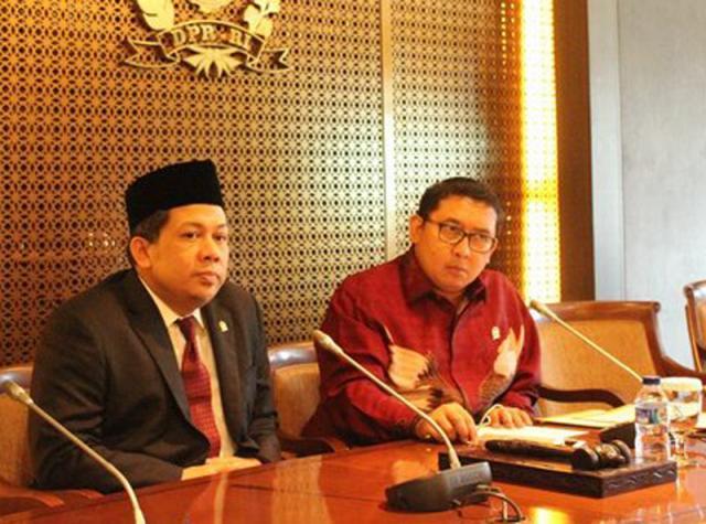 """Sebut MCA Seorang """"Ahokers"""" Fadli Zon dan Fahri Hamzah Dilaporkan ke Polda Metro Jaya"""