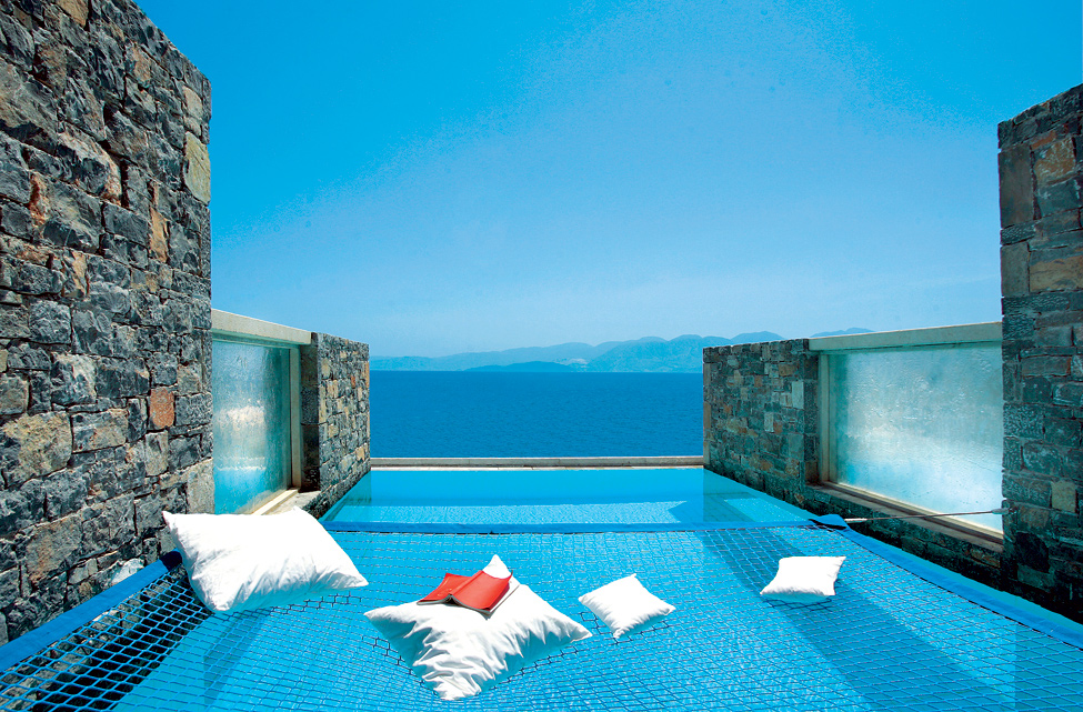 Luxury hotel elounda peninsula bonjourlife for Luxury accommodation worldwide
