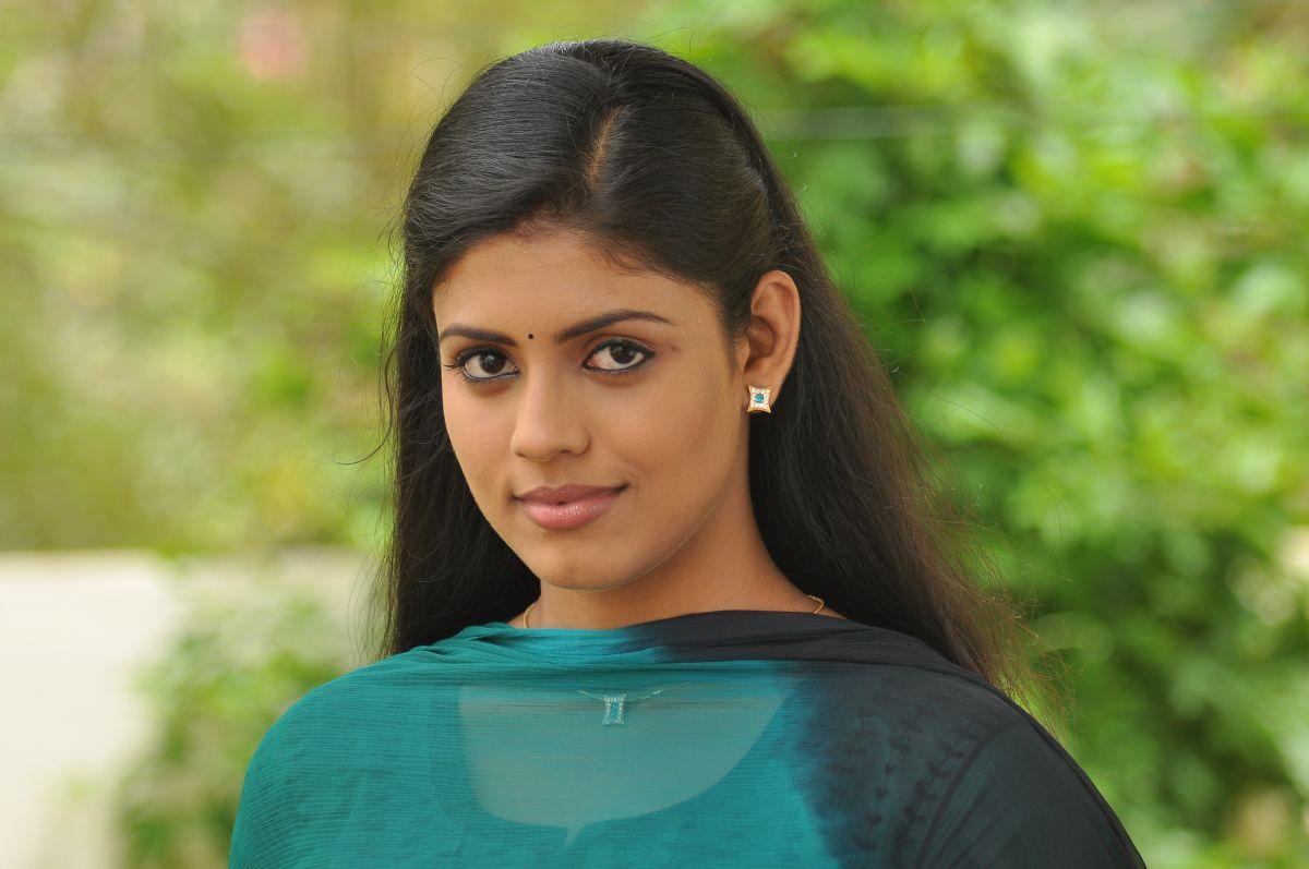Tamil Cinema: Iniya