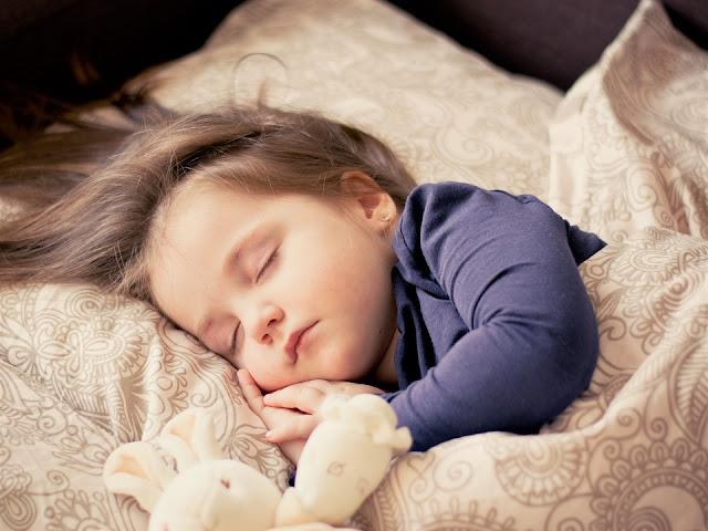 Manfaat penting tidur siang bagi anak balita