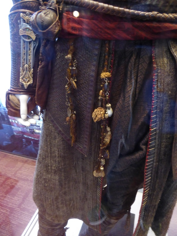 Aguilar Assassins Creed movie costume detail