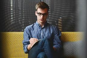Bisnis mahasiswa jasa penulis