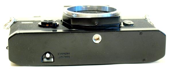 Canon FTb QL, Bottom