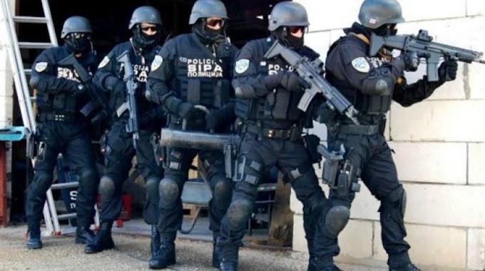 SIPA u Ljubuškom - uhićeno više osoba, pronađeni kokain i oružje
