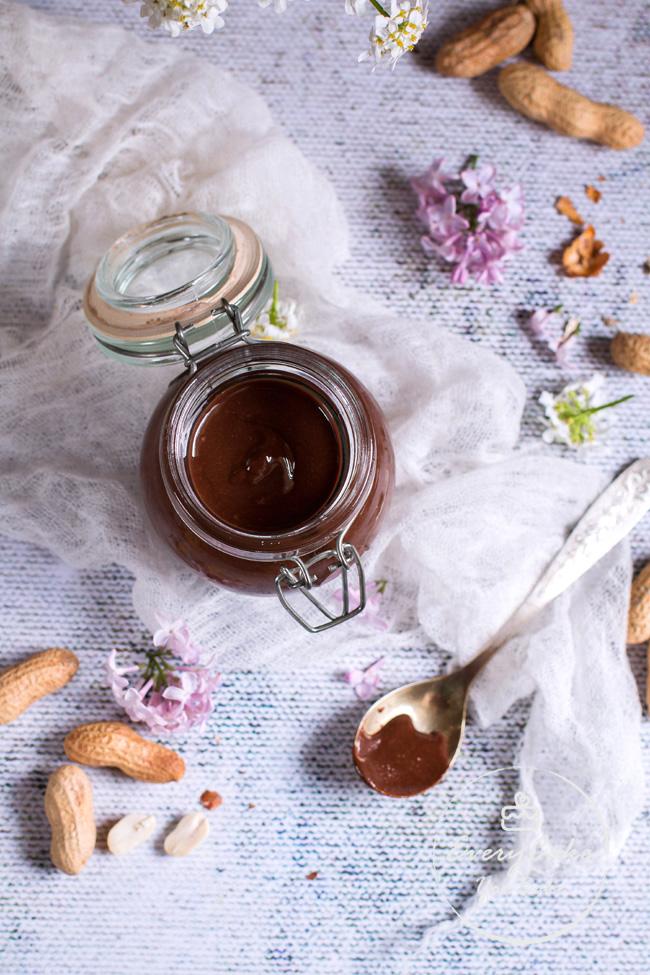 krem fistaszkowo-czekoladowy do smarowania pieczywa