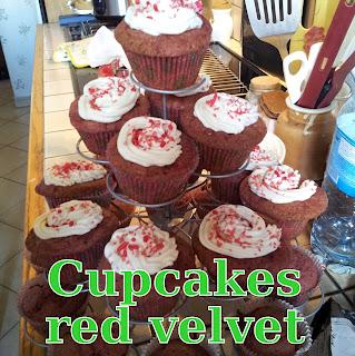 http://danslacuisinedhilary.blogspot.fr/2012/02/cupcake-red-velvet-pour-la-saint.html