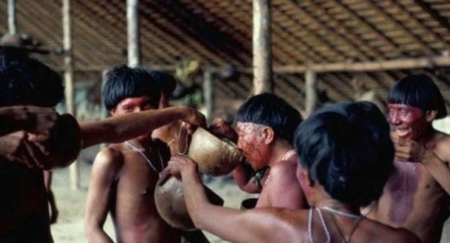 Memakan Abu Mayat Yanomami