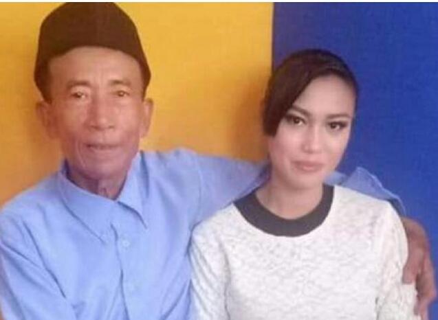Kakek Ini Nikahi Perawan 17 Tahun dengan Mahar Rp300 Ribu
