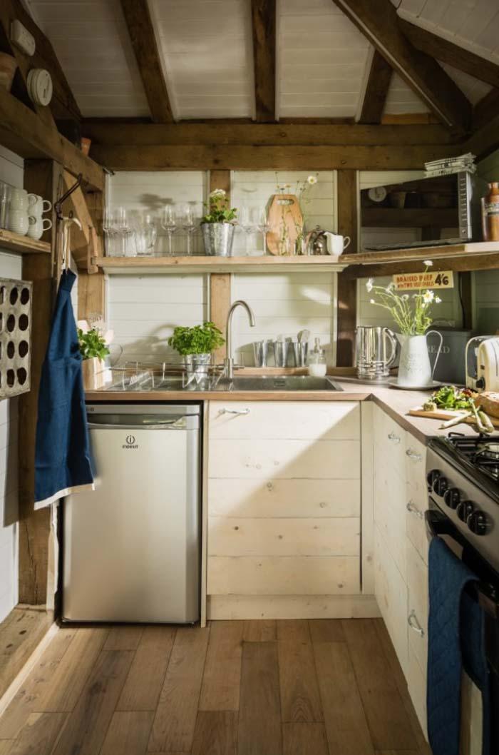keltainen talo rannalla rustiikkia kolmella tyylill. Black Bedroom Furniture Sets. Home Design Ideas
