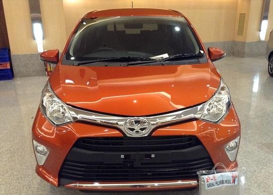 mobil toyota calya warna orange