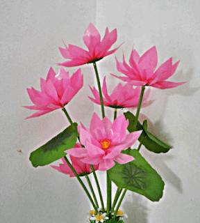 Bunga dari Sedotan