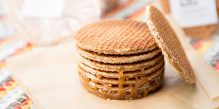 http://www.whatsnewworld.info/2014/05/stroopwafels-one-of-the-world-s-greatest-cookies.html