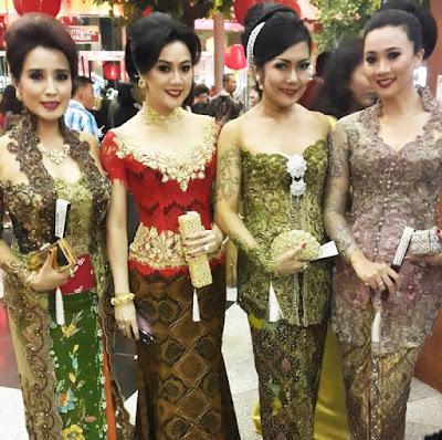 batik kebaya modern terbaru artis