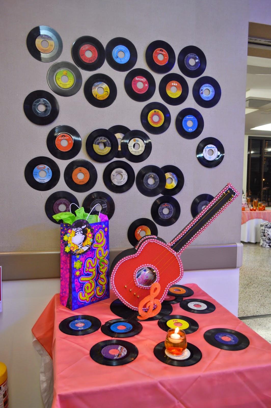 Events planners by maria eva quince a os tematicos a os 60 for Decoracion fiesta anos 60