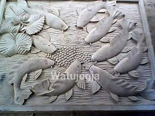Relief ikan koi watujogja