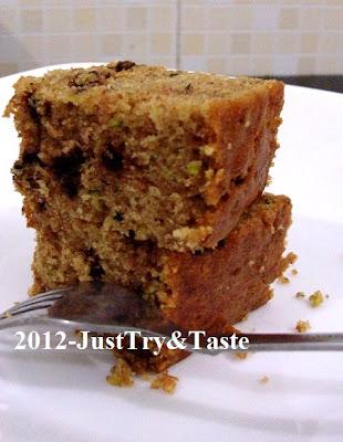 Resep Cake Zukini (Zucchini) dengan Kacang Tanah Cincang, Chocolate Chips dan Kismis