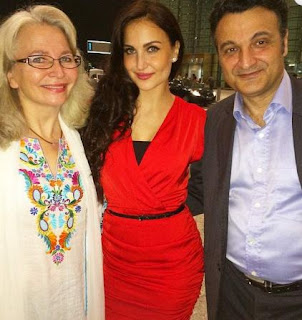Elli Avram Family Husband Son Daughter Father Mother Marriage Photos Biography Profile.