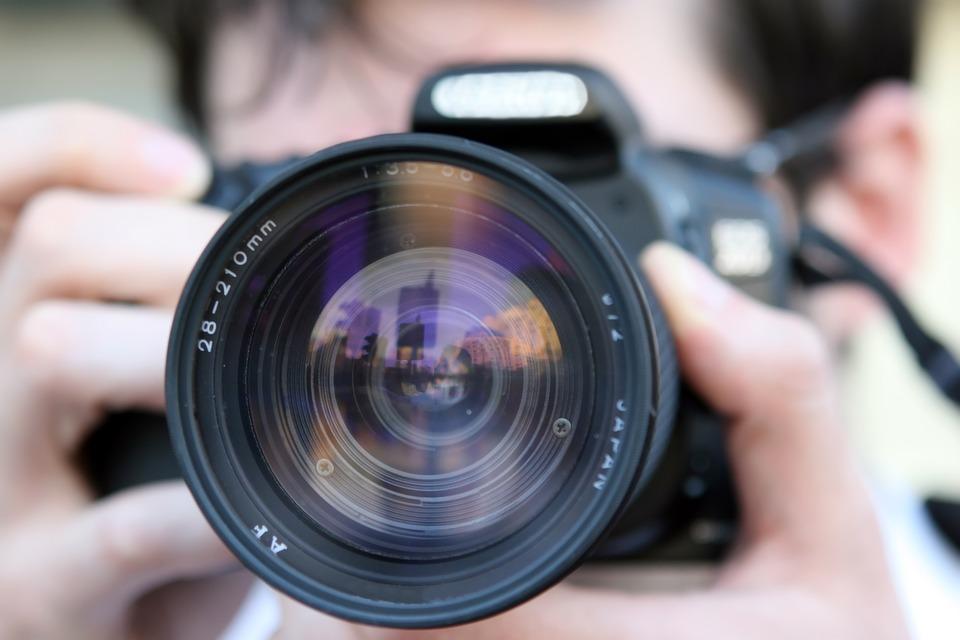 Tips Cari Kamera DSRL Bekas yang Aman Meski Via Online
