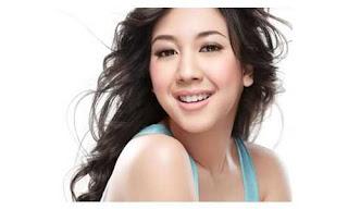 Pianis Cantik Indonesia Sherina Munaf