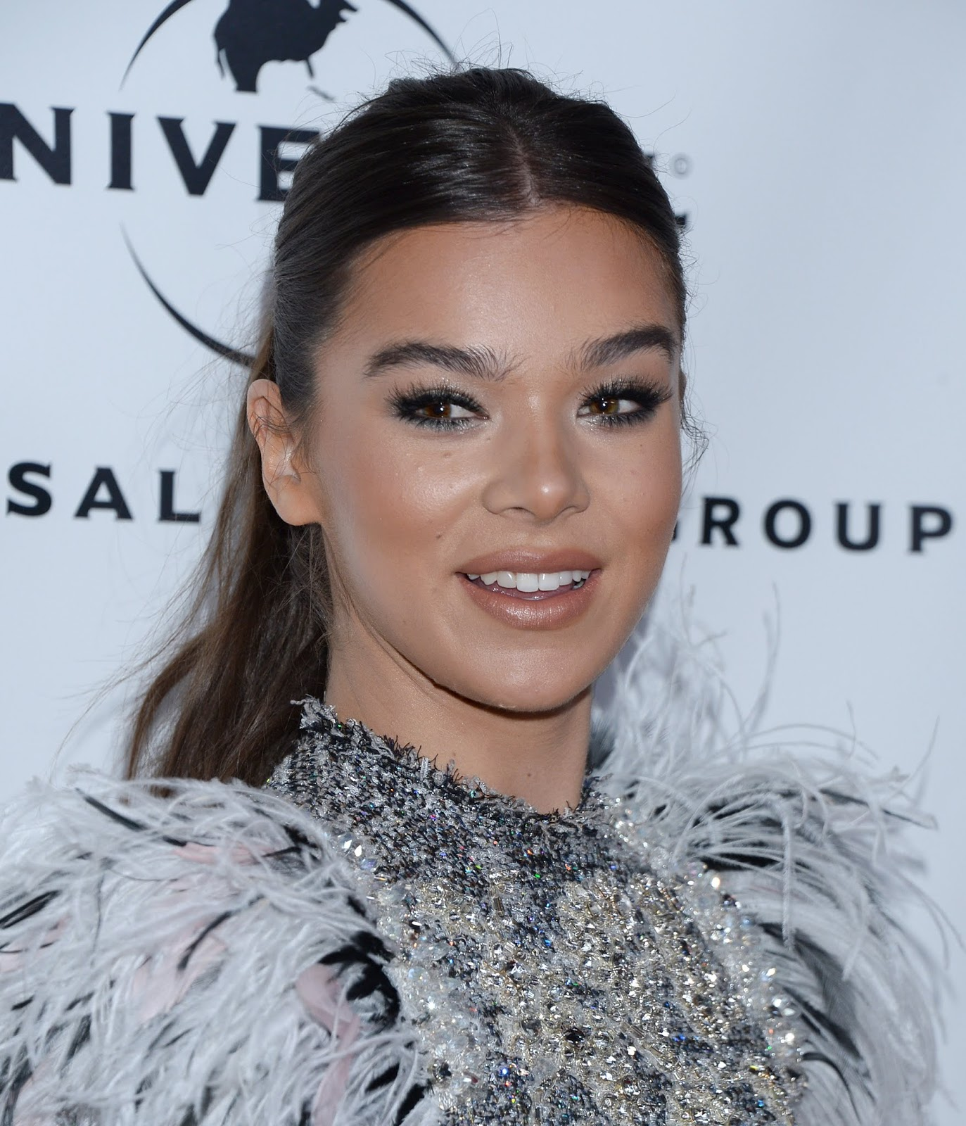 Hailee Steinfeld - Universal's Grammys After Party in LA - 02/10/2019