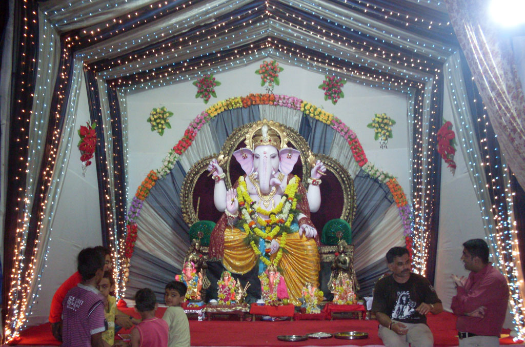 Ganesh Festival Simple Decorations   Flisol Home Cool Flower Decoration Ideas For Ganpati With