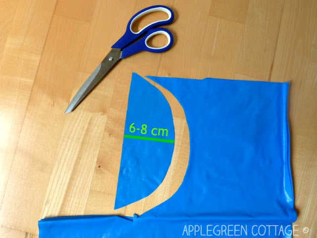 how to make a crumb catcher bib
