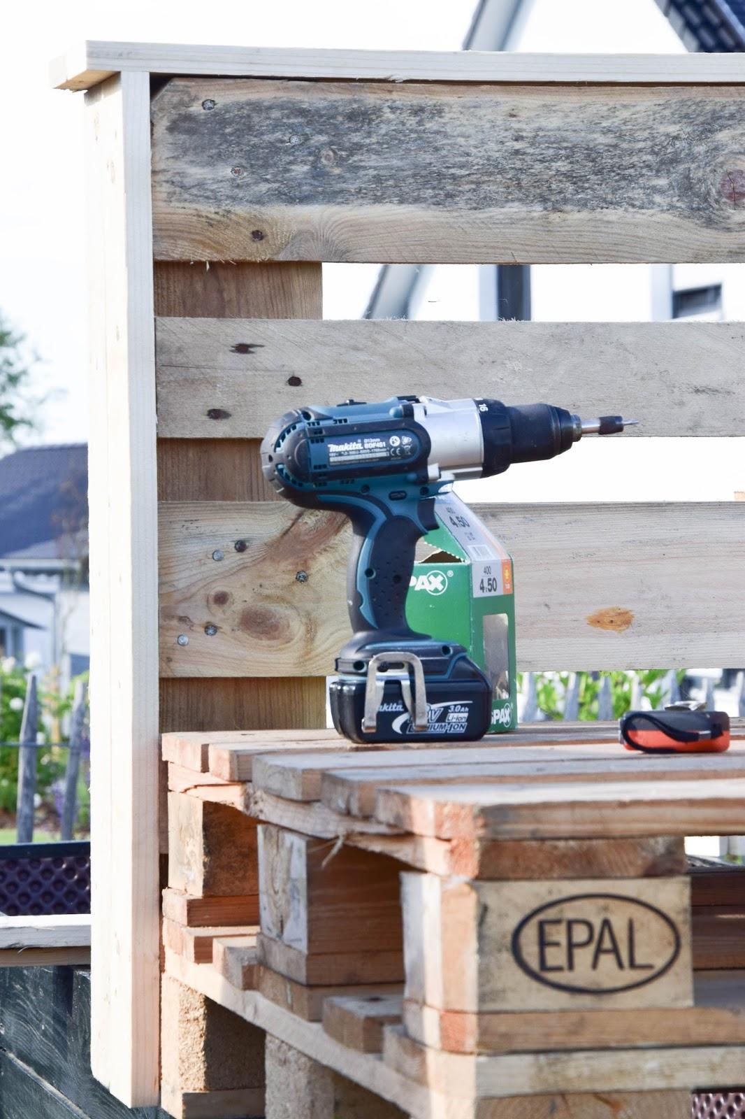 diy paletten sitzmöbel für terrasse dekoidee palettenmöbel gestaltung deko selbermachen europaletten